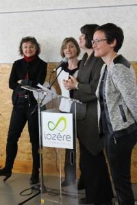 Marie-Paule DEMIGUEL, Patricia BREMOND et Aurélie MAILLOLS autour de Sophie PANTEL au micro